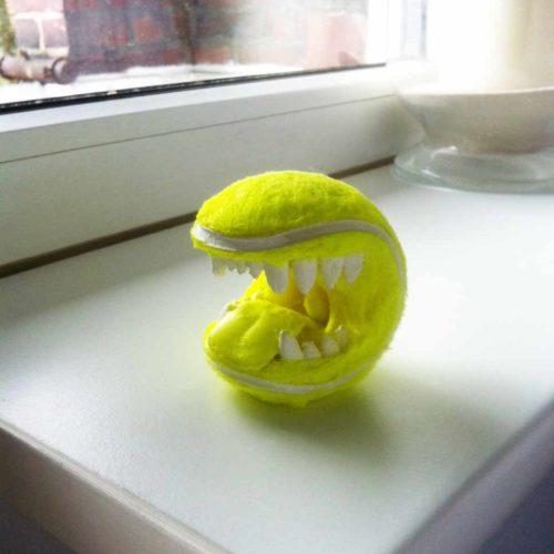 Tennisball mit Zähnen - Tennis Souvenir -